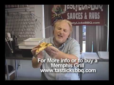 PIZZA ON A MEMPHIS PELLET GRILL - 2 MINUTE VIDEO
