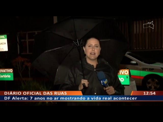 DF ALERTA - Traficante roda ao vender drogas pulando numa perna só