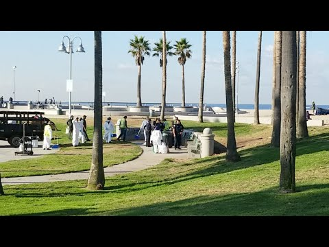 LAPD and sanitation Venice homeless cleanups sweeps take place every Friday on the boardwalk