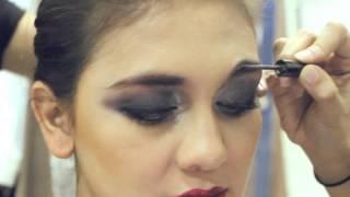 Download Video dewi Magazine: Luna Maya Glam Look Make Up Tutorial MP3 3GP MP4