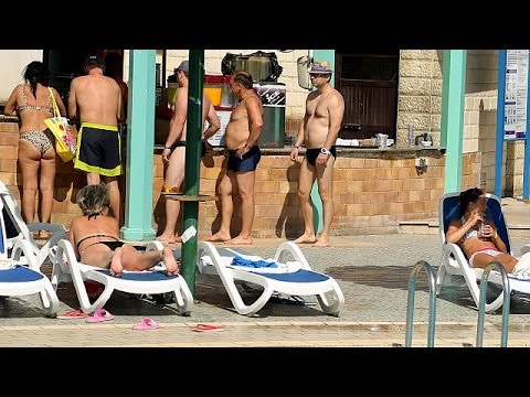 Sharm el-Sheikh desperate to keep its foreign tourists