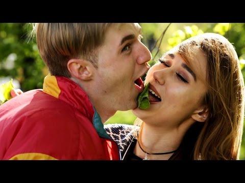 Самая лучшая игра на поцелуй