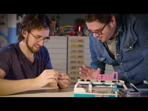 Downtown Diner Designer Video  LEGO Creator Expert  10260