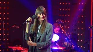 Clara Luciani - Nue (Live) - Le Grand Studio RTL