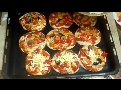 صورة  طريقة عمل البيتزا مينى بيتزا بالفراخ بطريقة بسيطه وسهله من مطبخ فاطمه وسعاد طريقة عمل البيتزا بالفراخ من يوتيوب