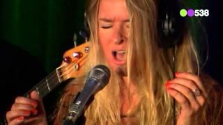 Sandra van Nieuwland - More (live bij Evers Staat Op)