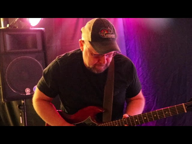 Quarter Bend Guitar Studio - Dave B. Performs Gary Clark Jr.