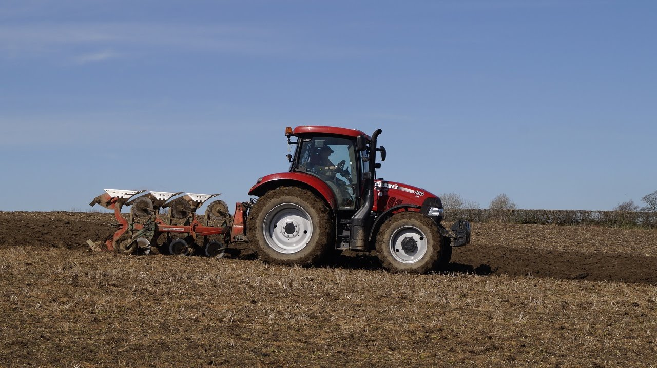 Case Maxxum 130 Cvx Ploughing 2016