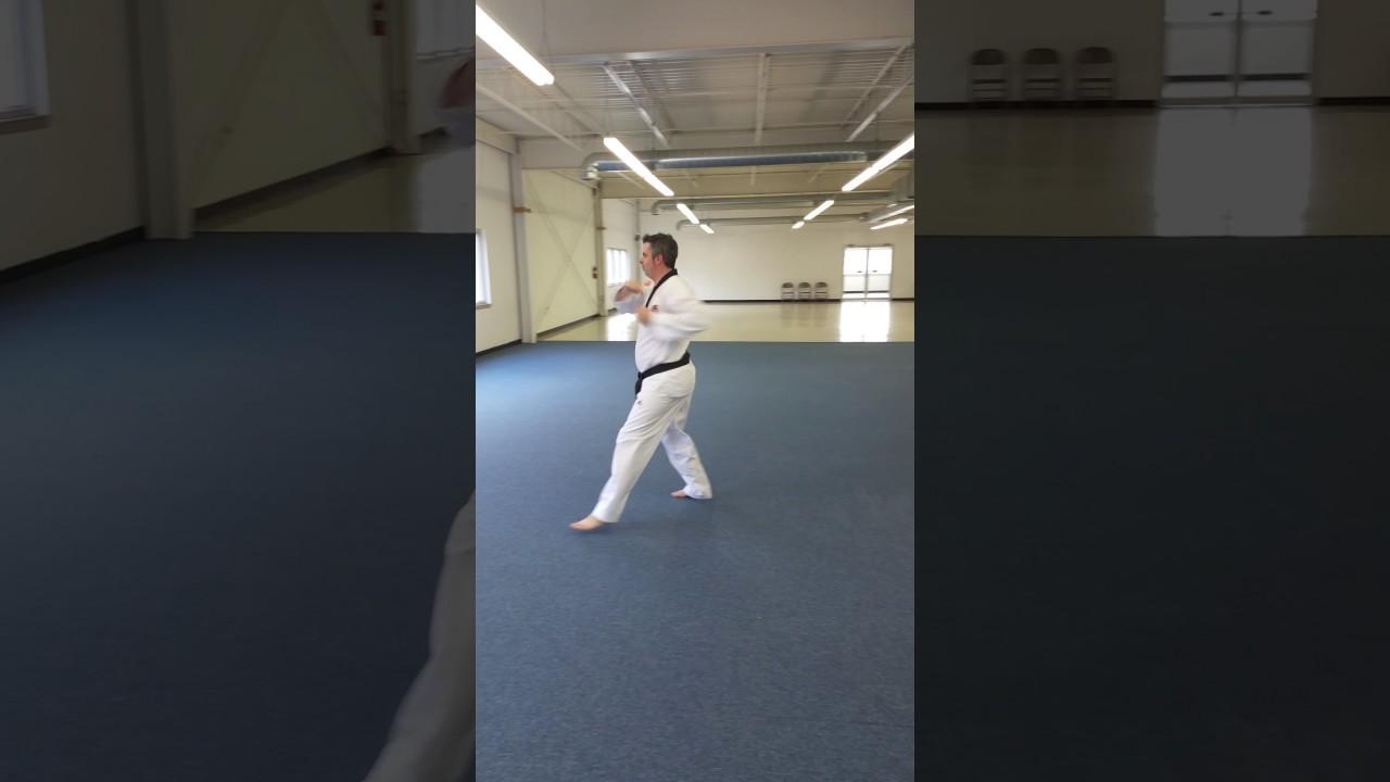Circle Taekwondo Dan-Gun form - YouTube