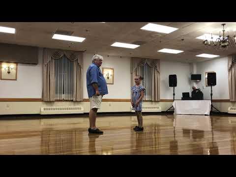 El increíble número de claqué de un abuelo y su nieta