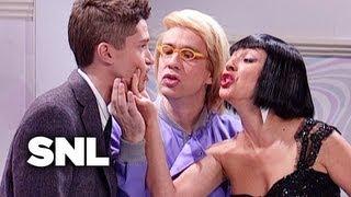 Art Dealers: Pronouncing Pam - Saturday Night Live
