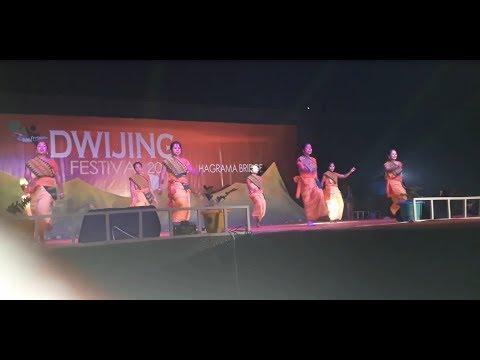 womens dance group of Dwijng Festival...