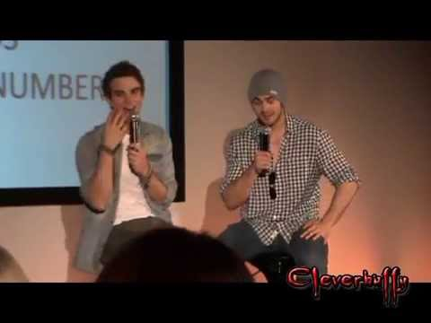 BloodyNightCon 2013 -010- Nate and Steven's pannel -1/2- Sun_5_May_2013