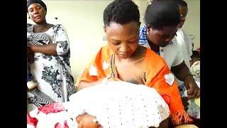 Wanaume Uganda wagombania kunyonya maziwa ya mama