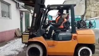 Процесс обучения на погрузчике грузоподъемностью от 5 тонн