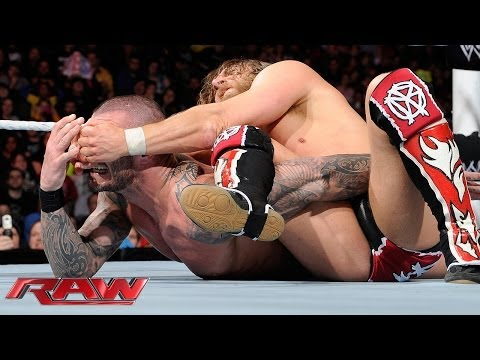 Daniel Bryan vs. Randy Orton: Raw, Feb. 3, 2014