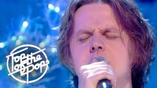 Lewis Capaldi performs Grace for the Top Of The Pops New Year 2018 special Watch the whole show now: https://www.bbc.co.uk/programmes/b0bwq9mv ...