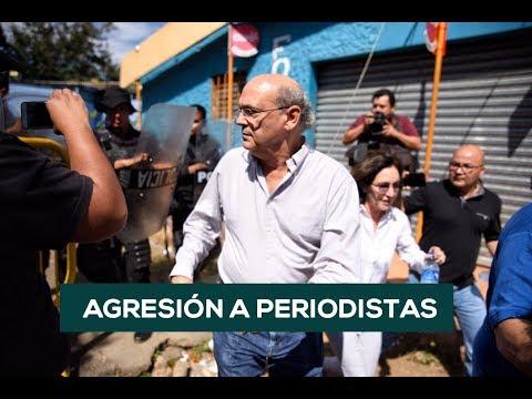 Policía de Nicaragua AGREDE Y PATEA a periodistas independientes