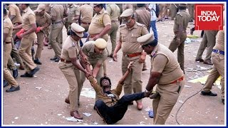 Violence & Vandalism Takes Over Jallikattu Protests In Chennai