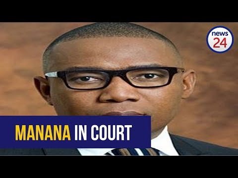 Mduduzi Manana walks into prosecutor's office ahead of court case