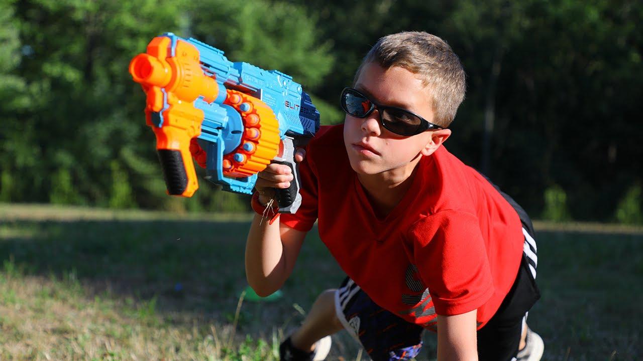 Nerf Summer Camp:  Bro vs Bro (One Arm Push Ups)