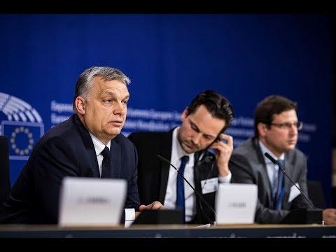 Orbán Viktor újságírói kérdésekre válaszol - ECHO TV