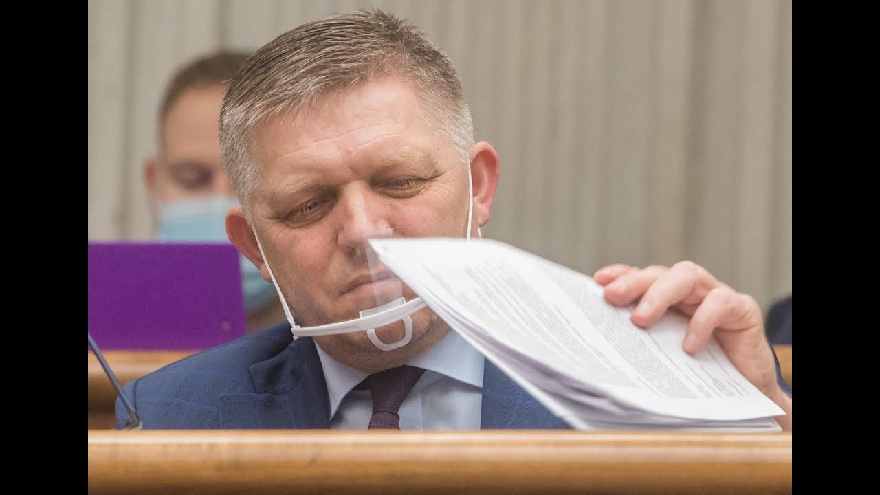 Download Mikrofóny zachytili, ako sa Fico sťažoval na rúška, potom začal nosiť štít