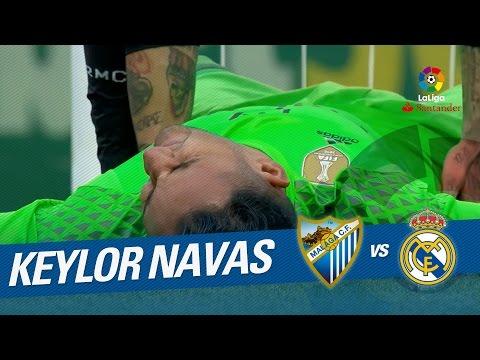 Lanzamiento de falta de Sandro que despeja Keylor Navas