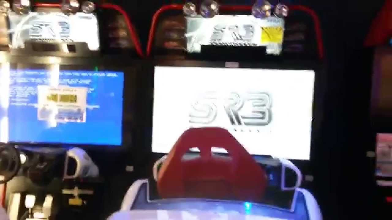 Trailer la sala giochi del futuro youtube for Sala giochi del garage
