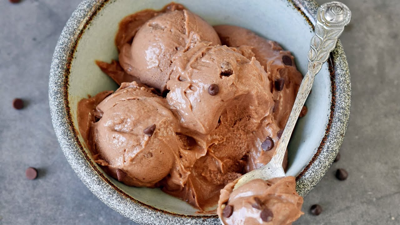 Vegan Chocolate Ice Cream Recipe (No Churn)