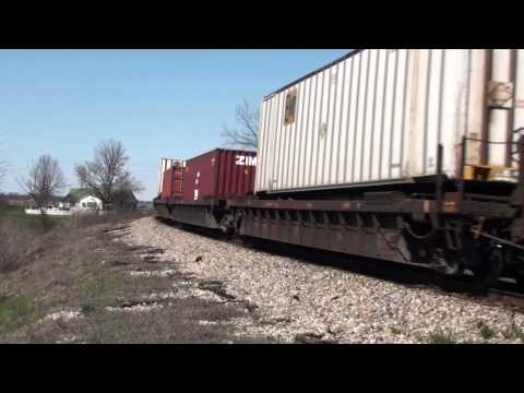 CN SD75I #5635 leads Q194 at Glendora, Mississippi