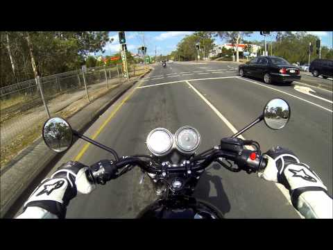 Triumph Bonneville T100 - Short Test Ride