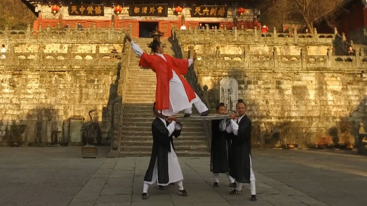 Taoist shows stunning gravity-defying leaning