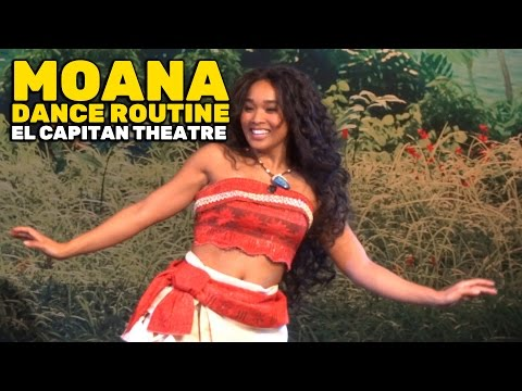 """Moana"" character Polynesian-inspired dance routine on opening day at El Capitan Theatre"