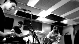 The Peripherals – Fractions (Live from Studio 8 East)