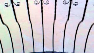 Наводнение в Крымске - 7 утра.mp4(7 утра. Вода понемногу спадает. Показался забор. Соседский забор (вид напротив) разрушен. Видео снимал Вадим..., 2012-07-07T11:35:12.000Z)
