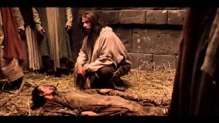 Jesús perdona pecados y sana a un paralítico