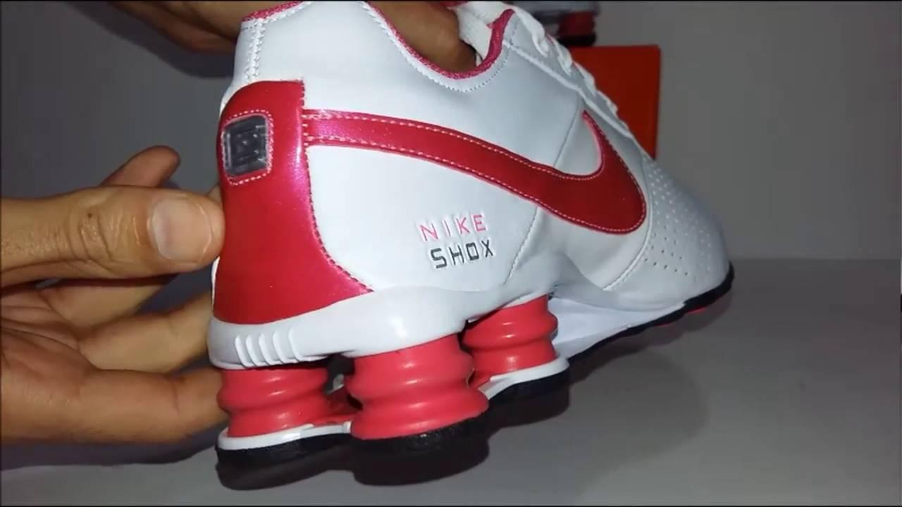 4bd529d0b9d Tênis Nike Shox Deliver branco   rosa - YouTube