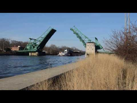 Joliet's Bridge Street Drawbridge Cycles for a 1-Barge Tow