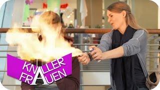 Flammenwerfer [subtitled] | Knallerfrauen mit Martina Hill