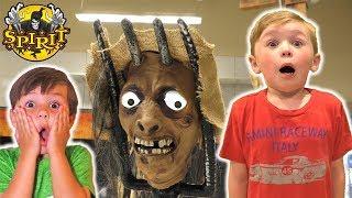 Scariest Store Ever! Spirit Halloween Animatronics 2018 VIP Tour | DavidsTV