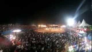 Narrador de rodeio desce na arena de helicóptero na Agro Purus 2013