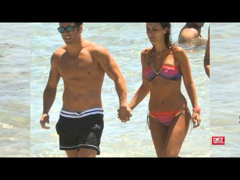 David Bustamante y Paula Echevarría se escapan a Ibiza thumbnail