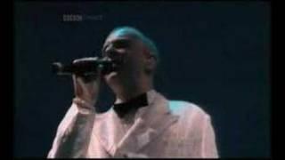 Pet Shop Boys - Positive Role Model - Glastonbury 2000 Live