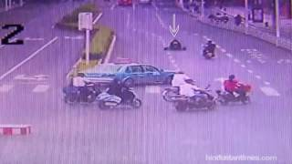 CCTV footage - Mystery man in China speeds on highways in a go-kart!