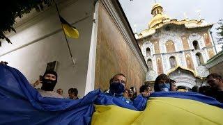 На Украине подрались за храм священники двух раскольнических церквей