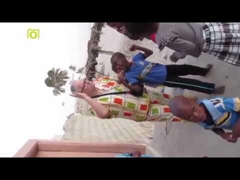 Sénégal 2018 - On danse - image famille sénégalaise