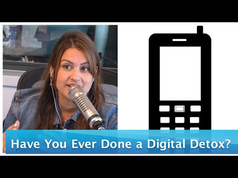 Ryan Seacrest - Have You Ever Done a Digital Detox? Ryan and Sisanie Weigh In