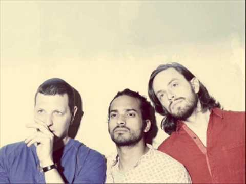 Yeasayer - Don't Come Close