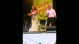 Sven Bertil Taube och Anna Lotta Larsson - Ellinor dansar på Stockholm Folk Festival 2014
